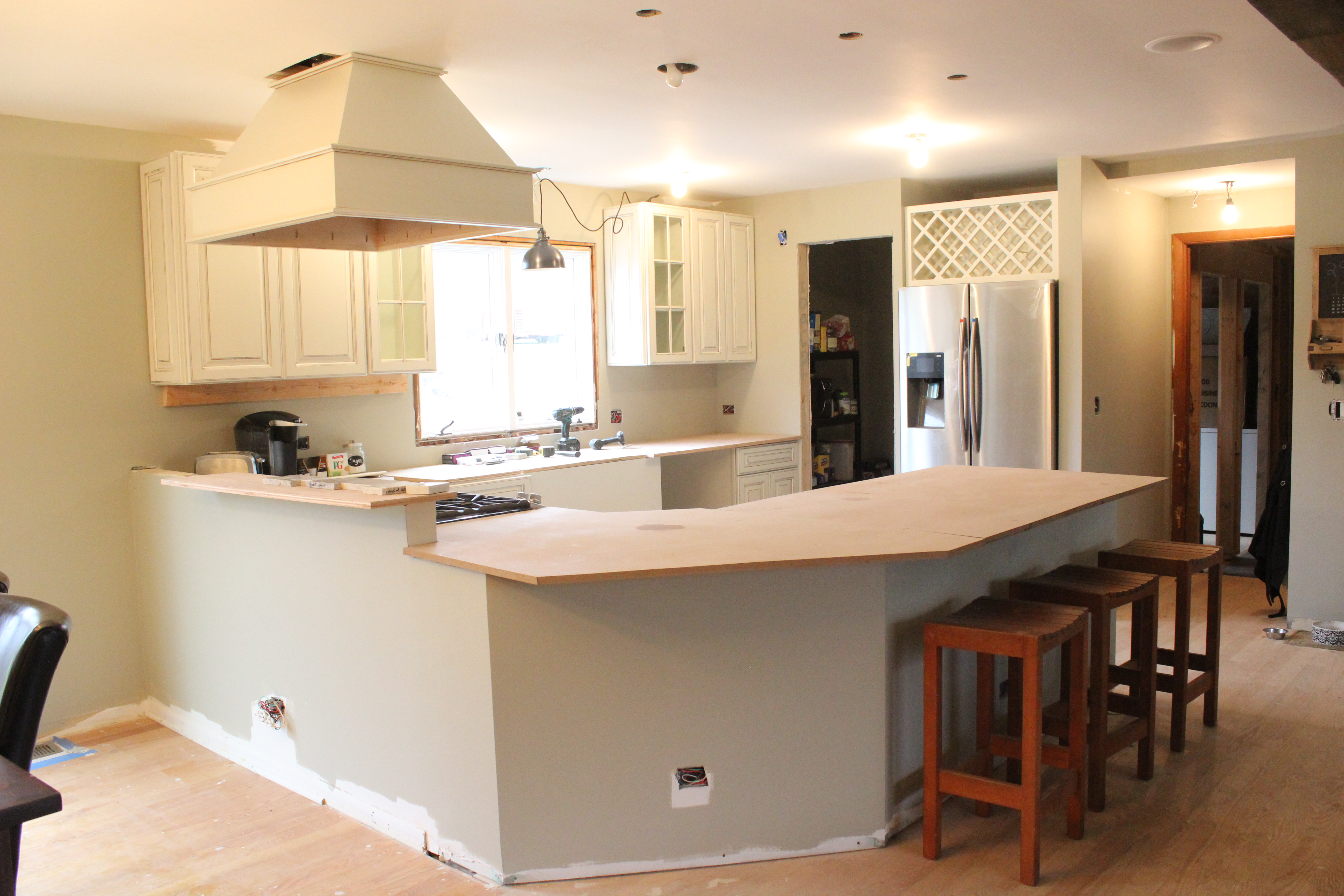 Paint Mdf Countertop : Big Kitchen Renovation Part II: Paint, Cabinets & Hotel Stays 12 ...