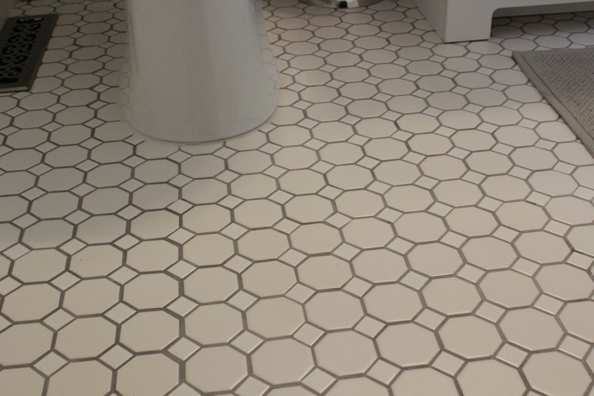 White Octagon Tile With Dark Gray Grout Img 5531
