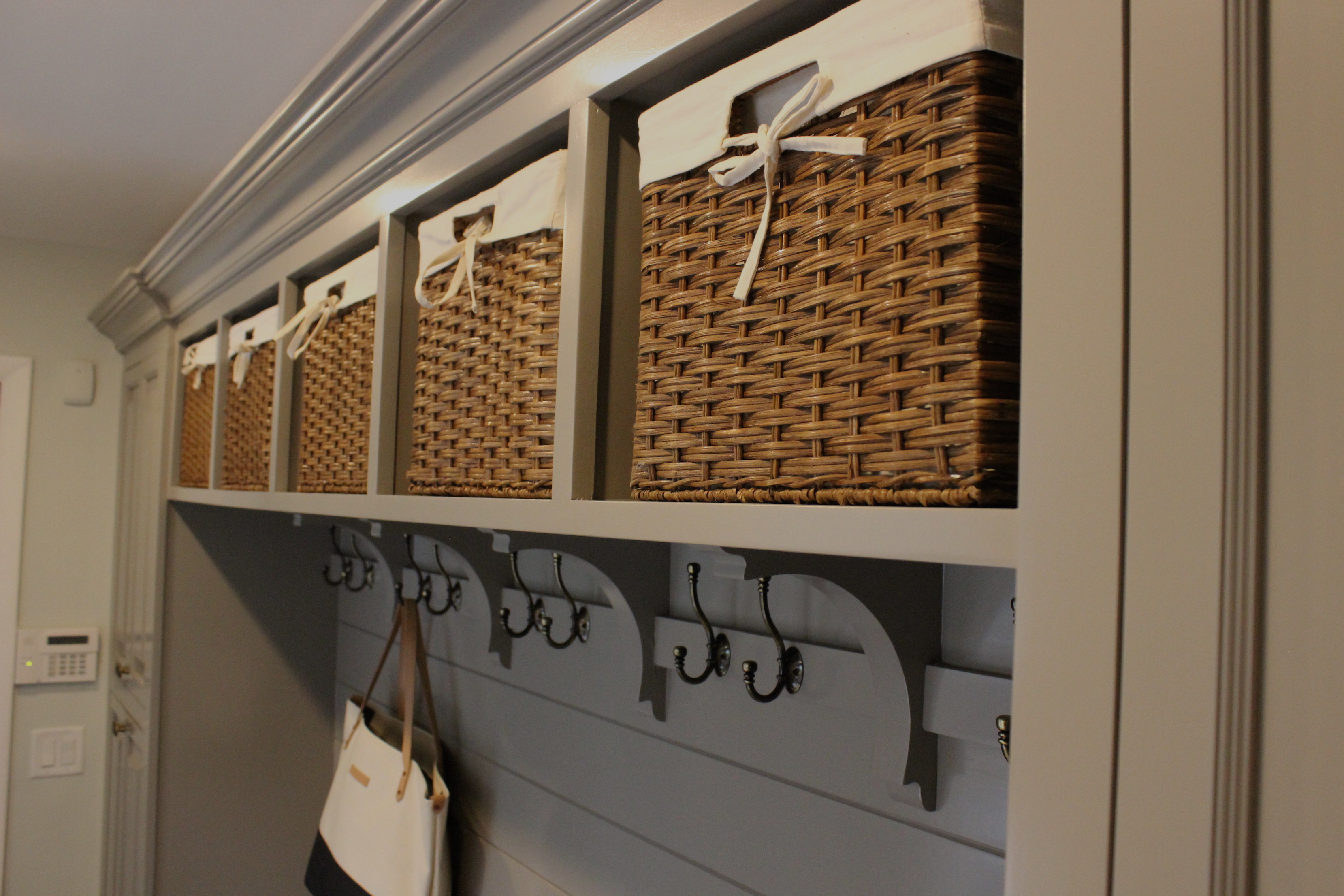 mudroom-baskets